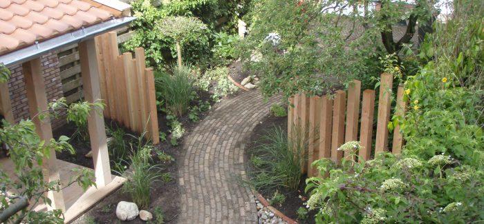 Geef je tuin een opknapbeurt! 15% korting op een jaarcontract voor het onderhoud van uw tuin en op het leveren van uw winterbloeiers, bollen e.d. bij hoveniersbedrijf Verboom