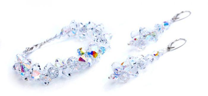 Een mooi sieraad of horloge geven of krijgen iets leukers bestaat haast niet. Met de 10% voordeel op de gehele collectie sieraden en horloges bij Juwelier van Dijck wordt het met Bol van Voordeel zelfs nog leuker